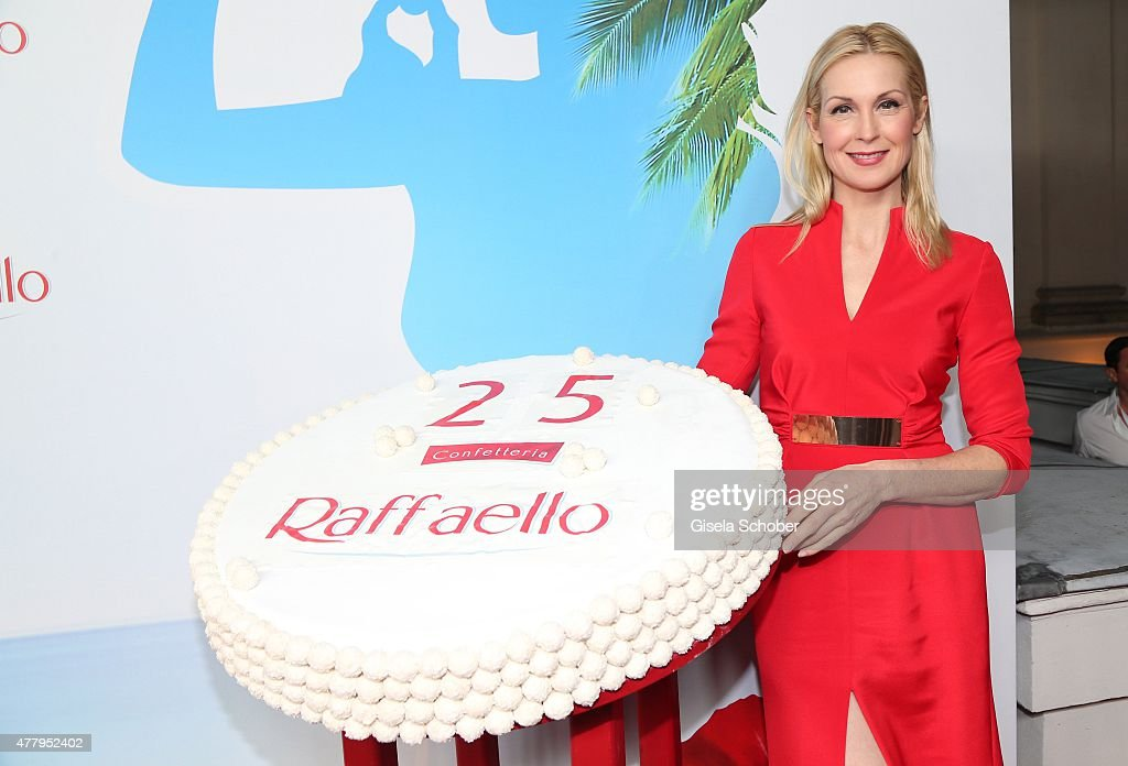 Kelly Rutherford and birthday cake during the Raffaello Summer Day 2015 to celebrate the 25th anniversary of Raffaello on June 20, 2015 in Berlin, Germany.