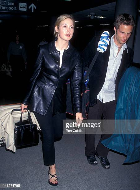 Kelly Rutherford and guest at the Kelly Rutherford and guest at Los Angeles International Airport Los Angeles International Airport Los Angeles
