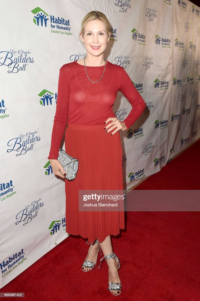 Kelly Rutherford arrives at the Habitat LA 2017 Los Angeles Builders Ball at The Beverly Hilton Hotel on September 28, 2017 in Beverly Hills, California.