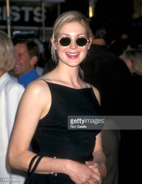 Kelly Rutherford at the Premiere of 'There's Something About Mary', Mann Village Theatre, Westwood.