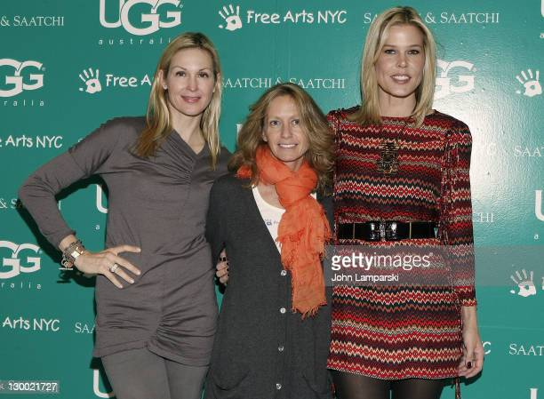 Kelly Rutherford Liz Hopfan and Mary Alice Stephenson attend the 2011 Free Arts NYC Kidsfest at Saatchi Saatchi on October 23 2011 in New York City