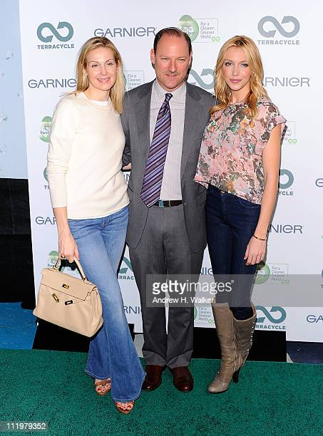 Kelly Rutherford President Maybelline New YorkGarnierEssie David Greenberg and Katie Cassidy attend the Garnier Cleaner Greener tour launch at Times...
