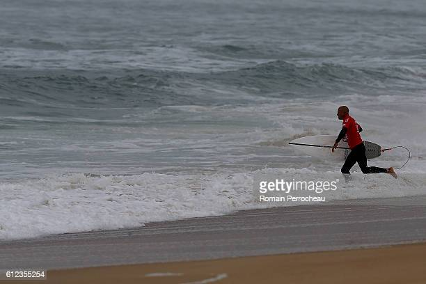 Kelly Slater before the first round of the Quiksilver Pro of Surfing at plage des culs nus on October 4 2016 in Hossegor France