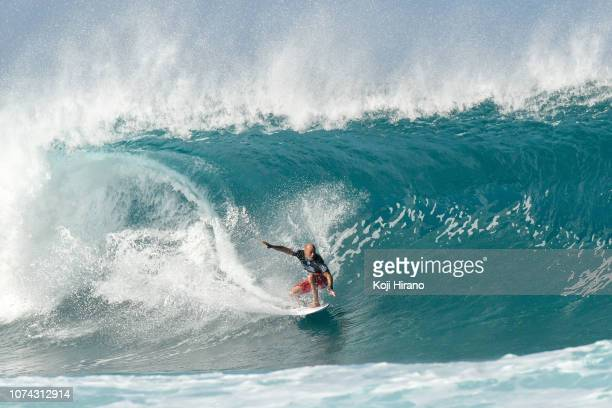 Kelly Slater competes during Billabong Pipe Masters on December 16 2018 in Pupukea Hawaii