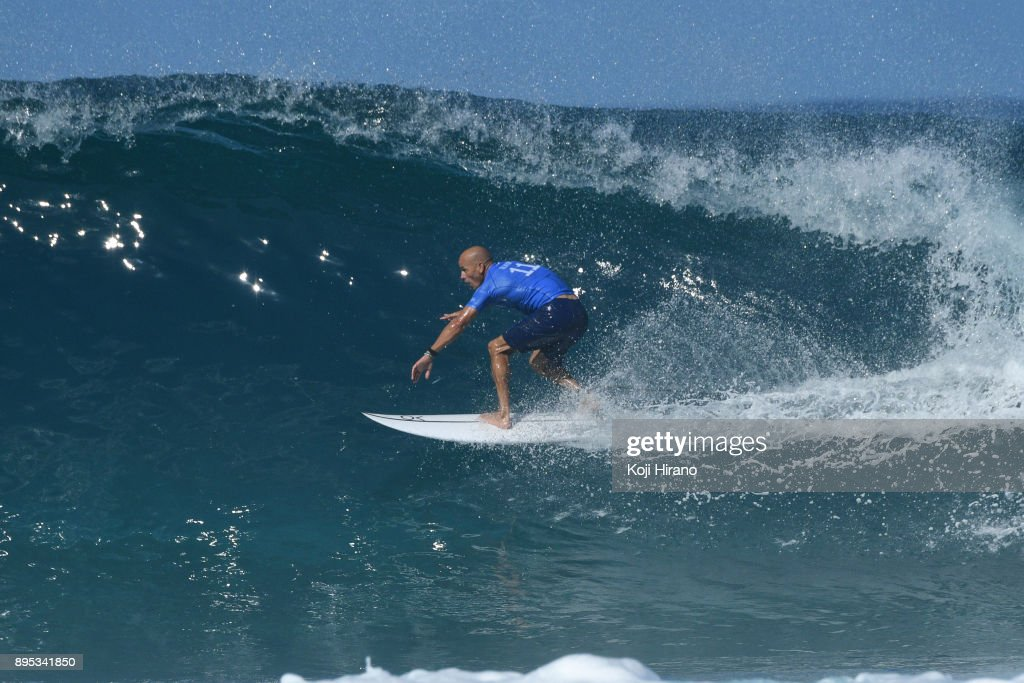 f1daba8cd2ec19 Kelly Slater competes in the 2017 Billabong Pipe Masters on December ...
