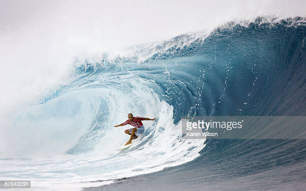 Kelly Slater of the USA competes during the Fosters Mens World Tour Billabong Pro on May 2 2006 in Teahupoo Tahiti