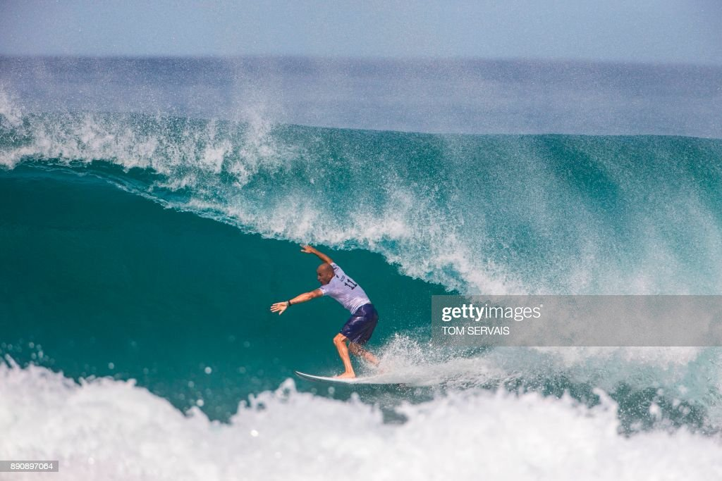 US-SURFING-PIPELINE : News Photo