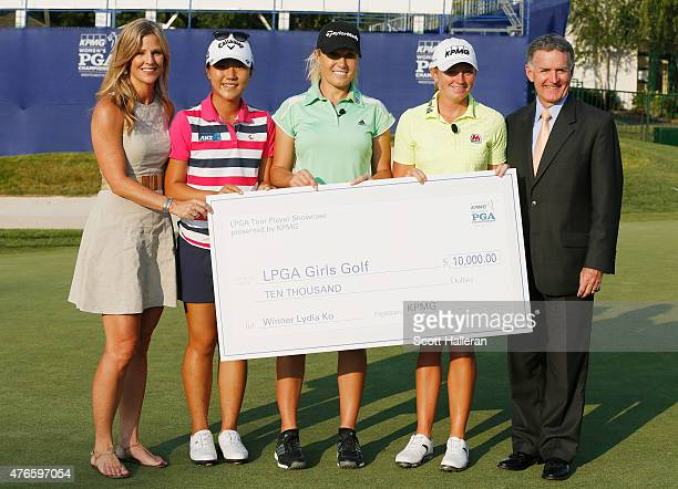 Kelly Tilghman of the Golf Channel poses with Lydia Ko of New Zealand Natalie Gulbis Stacy Lewis and John Veihmeyer of KPMG after the LPGA Player...