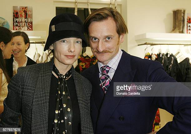 Kelly Wearstler and Hamish Bowles attend The World in Vogue Oscar de la Renta Book Signing Party with Hamish Bowles on December 14 2009 in Hollywood...