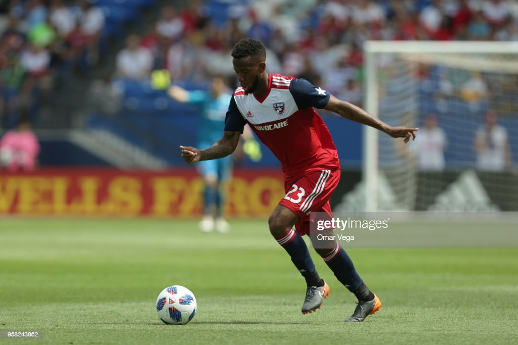 FC Dallas v LA Galaxy - Major Soccer League : News Photo
