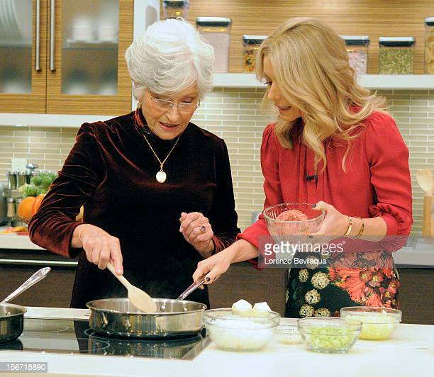 MICHAEL 11/16/12 Kelly's motherinlaw Camilla Consuelos gets into the kitchen as LIVE wraps up Thanksgiving Family Recipe Week on the...