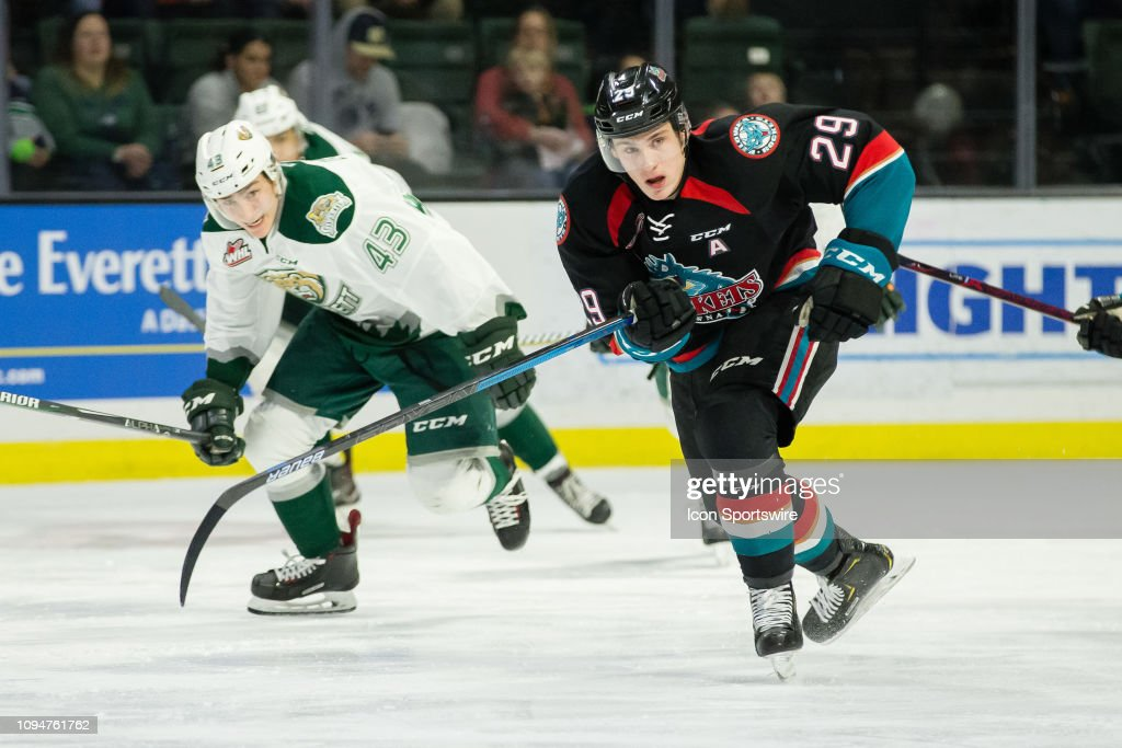 WHL: JAN 18 Kelowna Rockets at Everett Silvertips : Nachrichtenfoto