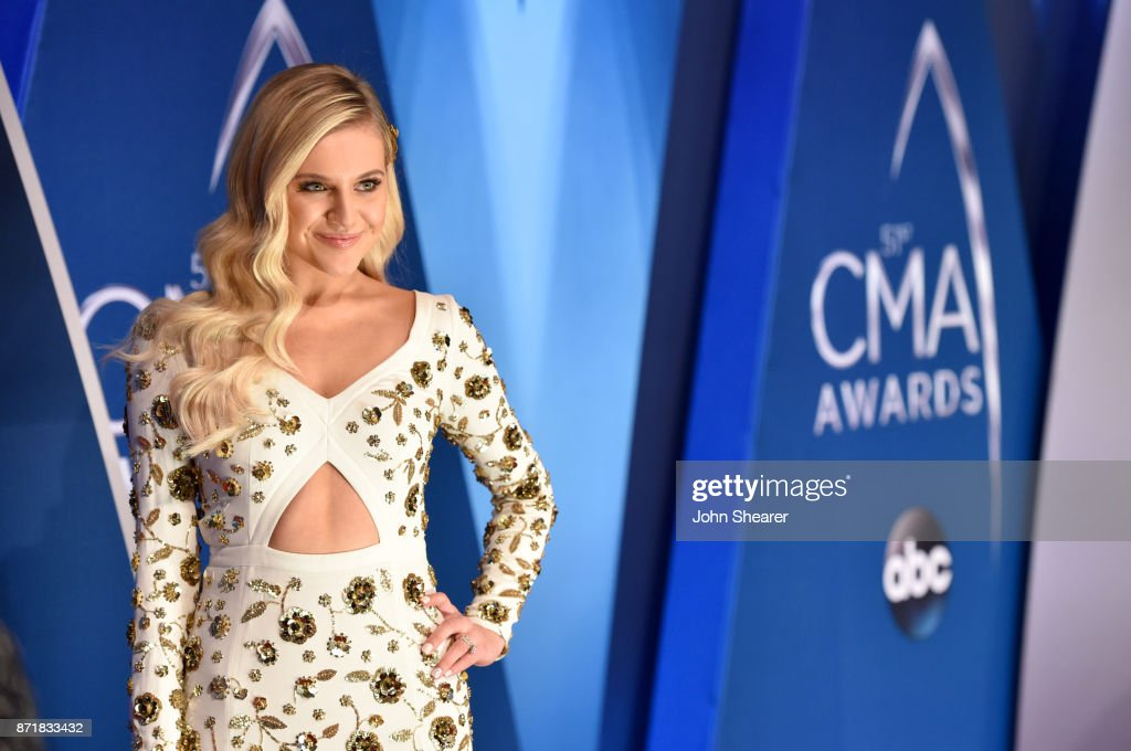 Kelsea Ballerini attends the 51st annual CMA Awards at the Bridgestone Arena on November 8, 2017 in Nashville, Tennessee.