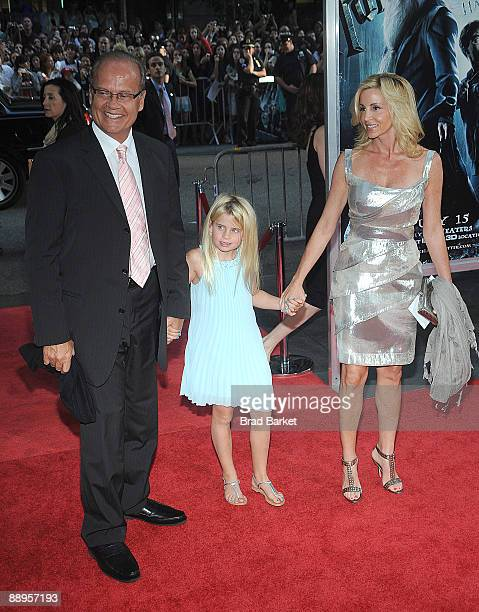Kelsey Grammer Mason Olivia Grammer and Camille Grammer attends the premiere of Harry Potter and the HalfBlood Prince at Ziegfeld Theatre on July 9...
