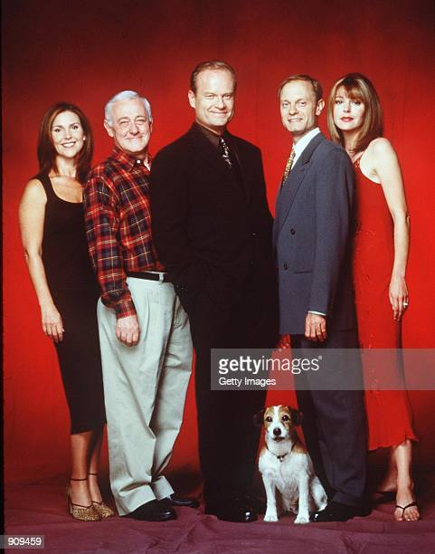 Kelsey Grammer Peri Gilpin Jane Leeves John Mahoney Moose the Dog and David Hyde Pierce stars in the NBC series Fraiser Photo NBC