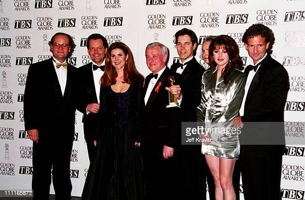 Kelsey Grammer Peri Gilpin John Mahoney and Jane Leeves the cast of 'Frasier'