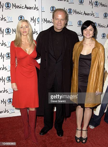 Kelsey Grammer with wife Camile and daughter Spencer arriving at the My VH-1 Music Awards 2001 at the Shrine Auditorium in Los Angeles.