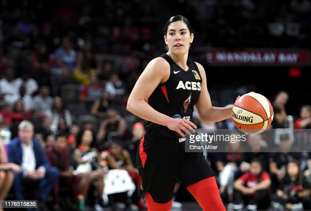 Kelsey Plum of the Las Vegas Aces brings the ball up the court against the Washington Mystics during Game Three of the 2019 WNBA Playoff semifinals...
