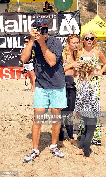 Kelsey takes pictures of the surfers with his daughter Spencer Grammer wife Camille Grammer and youngest daughter Mason Olivia Grammer at the Oceana...