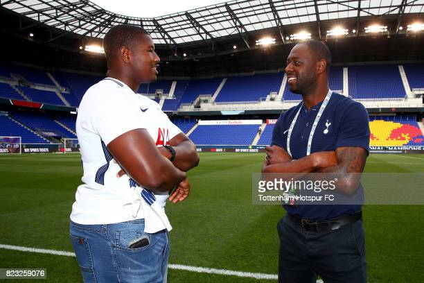 Kelvin Beachum of the New York Jets and Former Tottenham Hotspur player Ledley King poses for a photo prior to the match between the Tottenham...