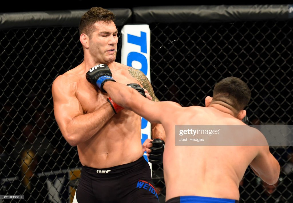 UFC Fight Night: Weidman v Gastelum : News Photo