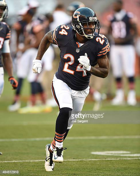 Kelvin Hayden of the Chicago Bears warms up prior to the preseason game against the Cleveland Browns at FirstEnergy Stadium on August 28 2014 in...