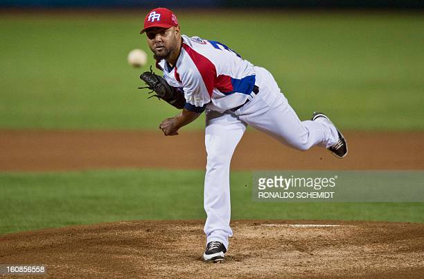 Kelvin Villa of Criollos de Caguas of Puerto Rico pitches against Yaquis de Obregon of Mexico during the 2013 Caribbean baseball series on February 6...