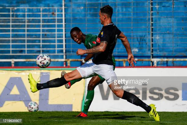 Kelvin Yeboah of WSG Tirol and Bjarne Thoelke of Admira during the tipico Bundesliga match between FC Flyeralarm Admira and WSG Swarovski Tirol at...