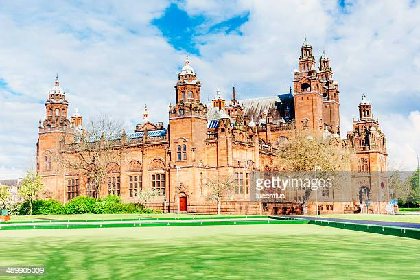 kelvingrove art gallery and museum, glasgow - kelvingrove art gallery and museum stock pictures, royalty-free photos & images