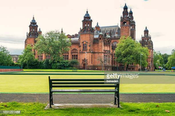 kelvingrove art gallery and museum in glasgow scotland uk - kelvingrove art gallery and museum stock pictures, royalty-free photos & images