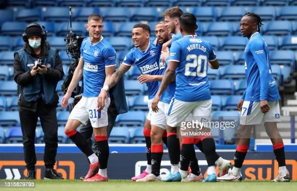Kemar Roofe of Rangers celebrates after scoring their team's first goal with James Tavernier, Alfredo Morelos, Borna Barisic, Joe Aribo and Jack...