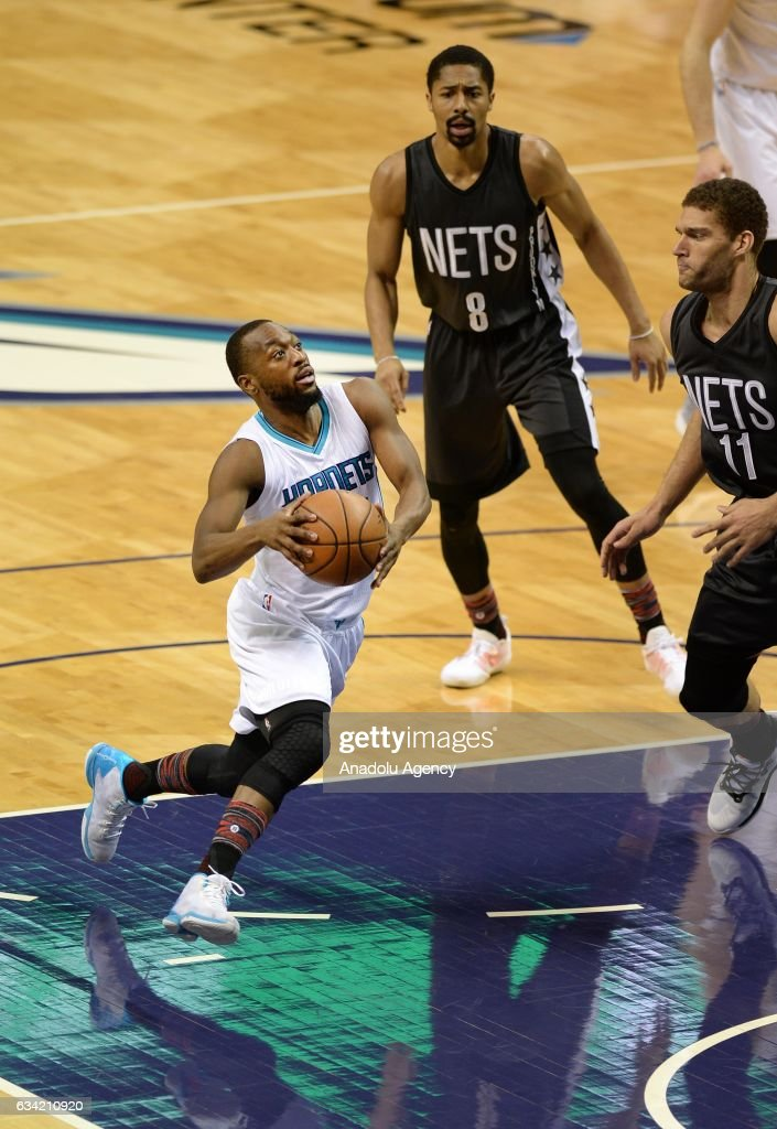 Kemba Walker of Charlotte Hornets prepares to score during the NBA match between Brooklyn Nets vs Charlotte Hornets at the Spectrum arena in Charlotte, NC, USA on February 7, 2017.