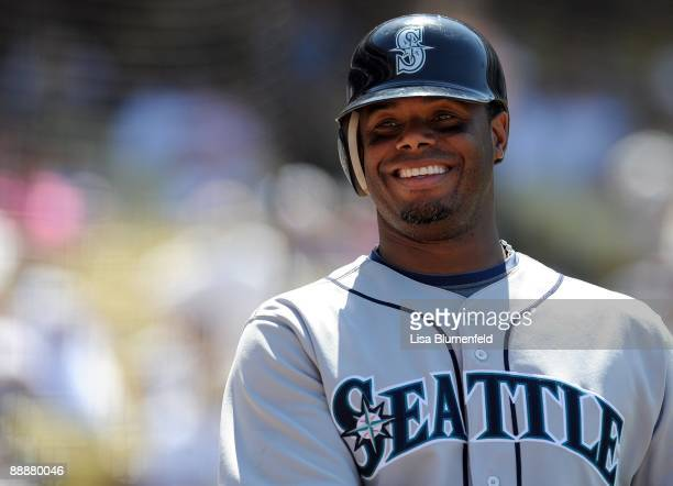Ken Griffey Jr #24 of the Seattle Mariners waits on deck during the game against the Los Angeles Dodgers at Dodger Stadium on June 28 2009 in Los...