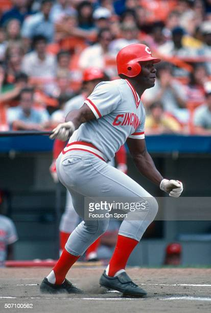 Ken Griffey Sr of the Cincinnati Reds bats against the New York Mets during a Major League Baseball game circa 1981 at Shea Stadium in the Queens...