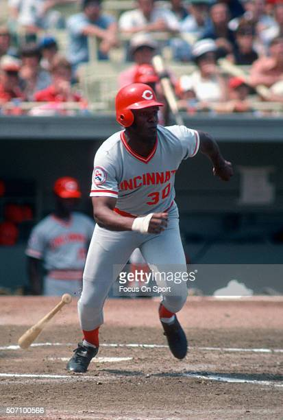 Ken Griffey Sr of the Cincinnati Reds bats against the New York Mets during a Major League Baseball game circa 1975 at Shea Stadium in the Queens...