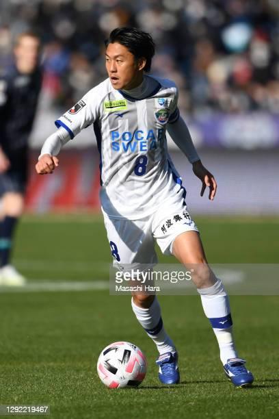 Ken Iwao of Tokushima Vortis in action during the J.League Meiji Yasuda J2 match between Avispa Fukuoka and Tokushima Vortis at the Best Denki...