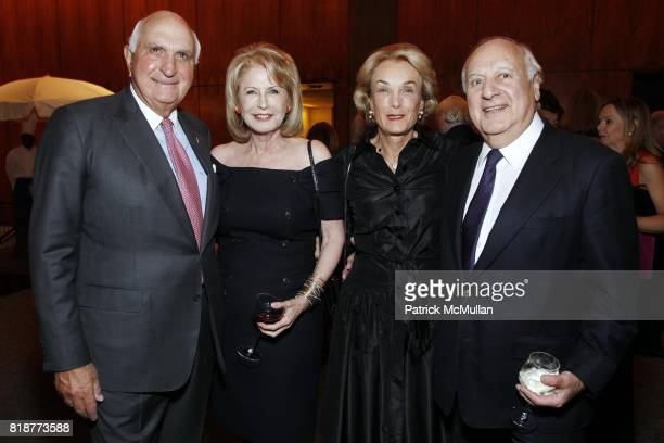 Ken Langone Lauren Veronis Elaine Langone and John Veronis attend CANCER RESEARCH INSTITUTE'S Through The Kitchen Party at The Four Seasons on April...