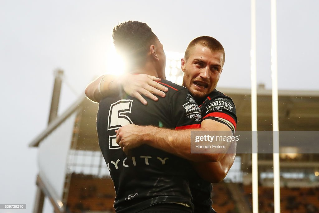 Ken Maumalo celebrates with Kieran Foran of the Warriors after scoring a try during the round 25 NRL match between the New Zealand Warriors and the Manly Sea Eagles at Mt Smart Stadium on August 27, 2017 in Auckland, New Zealand.