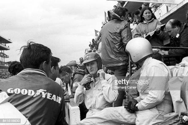 Ken Miles Bruce McLaren Ford Mk II 24 Hours of Le Mans Le Mans 19 June 1966 The controversial finish of the 1966 Le Mans 24 Hours with the two Ford...