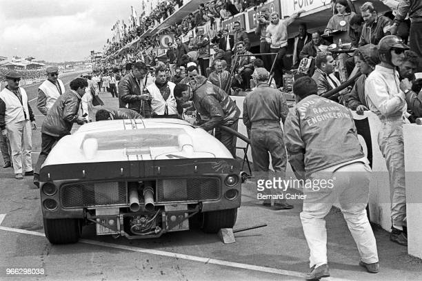 Ken Miles, Ford MkII, 24 Hours of Le Mans, Le Mans, 19 June 1966. Ken Miles during the 1966 24 Hours of Le Mans.