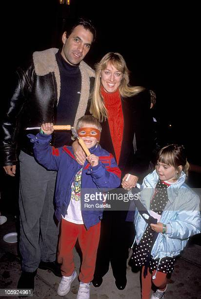 Ken Olin Patricia Wettig son Clifford Olin and daughter Roxanne Olin