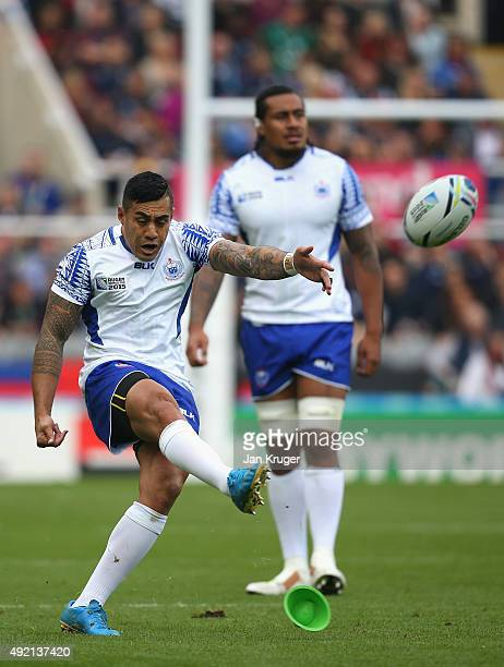 Ken Pisi of Samoa kicks the penalty during the 2015 Rugby World Cup Pool B match between Samoa and Scotland at St James' Park on October 10 2015 in...