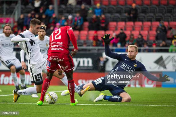 Ken Sema of Ostersunds FK and Egzon Binaku of BK Hacken and Peter Abrahamsson, goalkeeper of BK Hacken during the Allsvenskan match between...