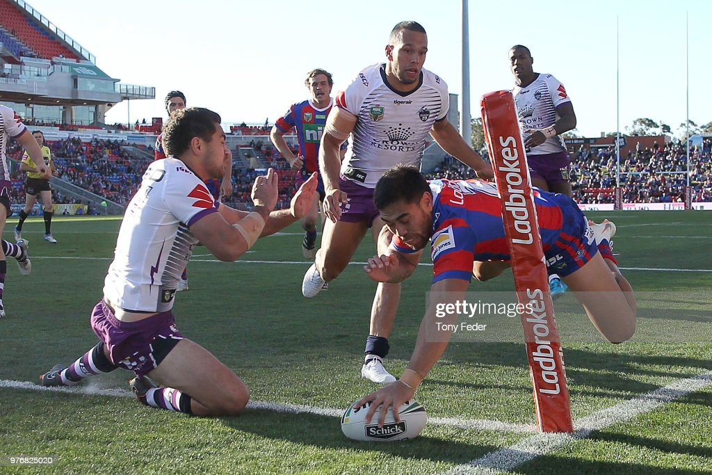 Ken Sio of the Knights scores a try during the round 15 NRL match between the Newcastle Knights and the Melbourne Storm at McDonald Jones Stadium on June 17, 2018 in Newcastle, Australia.