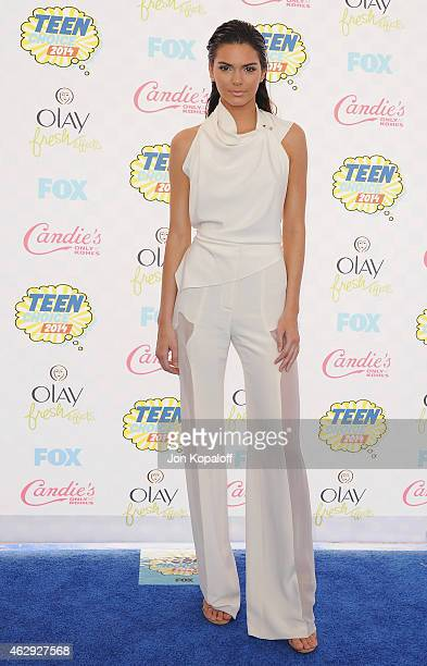 Kendall Jenner arrives at the 2014 Teen Choice Awards at The Shrine Auditorium on August 10, 2014 in Los Angeles, California.