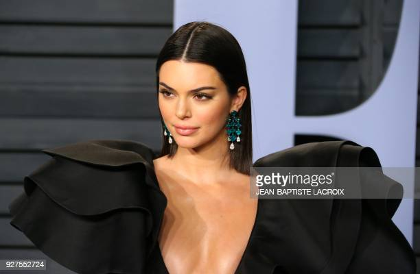 Kendall Jenner attends the 2018 Vanity Fair Oscar Party following the 90th Academy Awards at The Wallis Annenberg Center for the Performing Arts in...