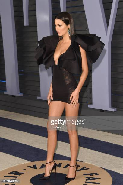 Kendall Jenner attends the 2018 Vanity Fair Oscar Party hosted by Radhika Jones at the Wallis Annenberg Center for the Performing Arts on March 4...