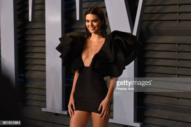 Kendall Jenner attends the 2018 Vanity Fair Oscar Party Hosted By Radhika Jones Arrivals at Wallis Annenberg Center for the Performing Arts on March...