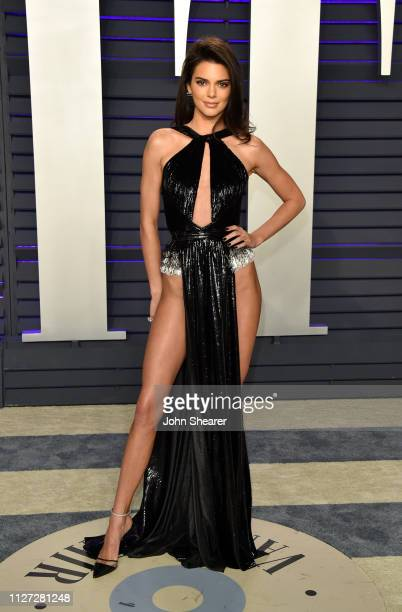 Kendall Jenner attends the 2019 Vanity Fair Oscar Party hosted by Radhika Jones at Wallis Annenberg Center for the Performing Arts on February 24...