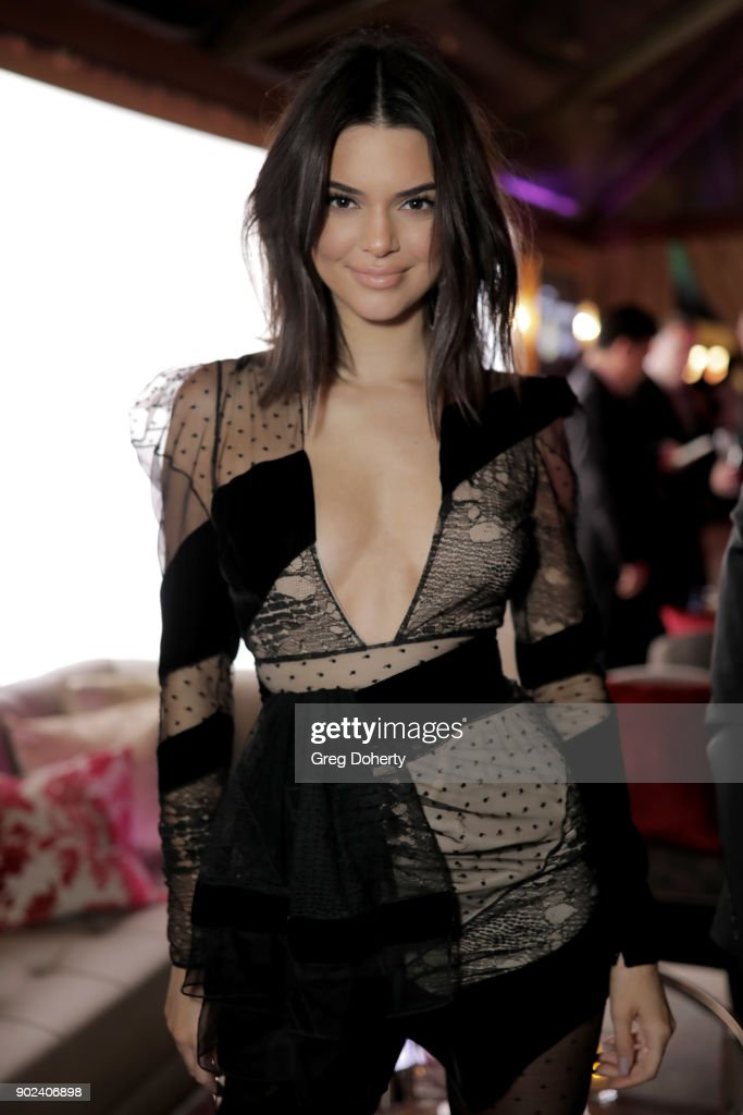 Kendall Jenner attends the Official Viewing and After Party of The Golden Globe Awards bosted by The Hollywood Foreign Press Association on January 7, 2018 in Beverly Hills, California.
